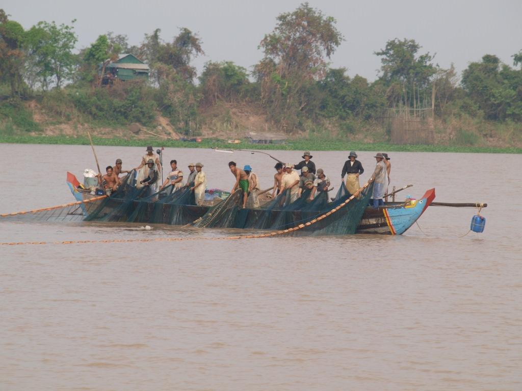 Pêche sur le Tonle Sap - Cambodge
