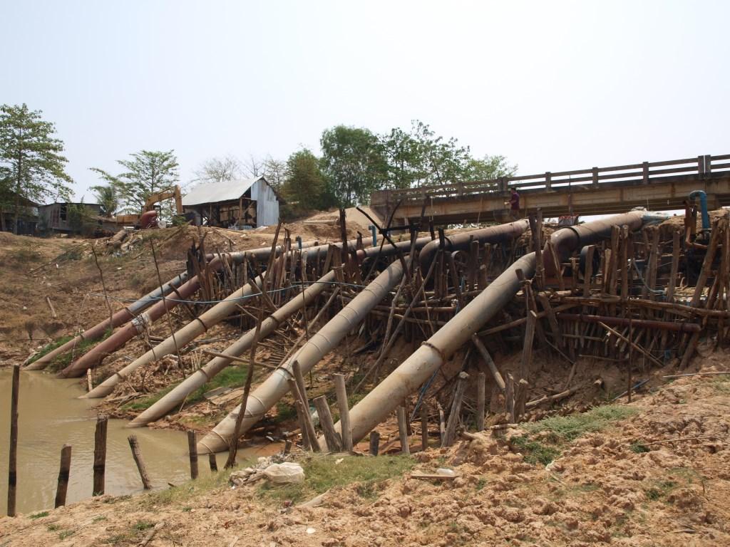 Prélèvement d'eau sur cours principal du Stung Sen pour réseau d'irrigation - Cambodge
