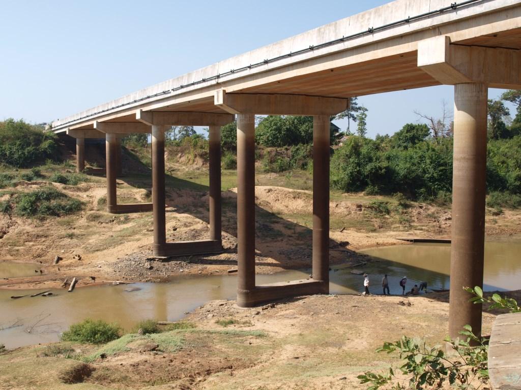Pont de Thnol Baek - Saison Sèche - Cambodge