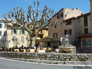 Fontaine de village en Provence