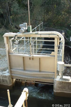 Partiteur et vanne pour l'irrigation gravitaire